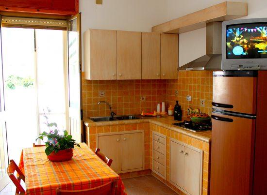 appartamento pesculuse rosa rossa casa vacanze la scisa appartamenti nel salento cucina